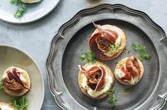 Cheat's blinis with jamon and figs main image