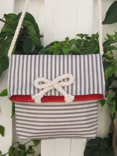 Ucreate: Mini Fold Over Messenger Bag Tutorial by Ali Foster Patterns