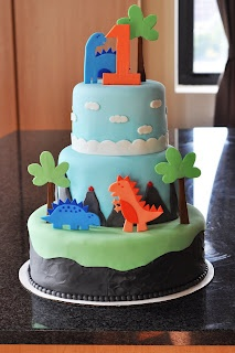 Sweet Kat's Creations: 3 Tiered Baby Dino Cake + Smash Cake