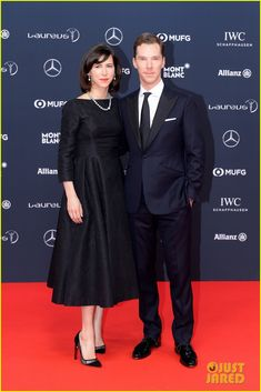 Benedict Cumberbatch Dances On Stage While Hosting the World Sports Awards | benedict cumberbatch wife world sports awards 01 - Photo