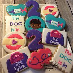 Galletas de doc McStuffins 1 docena por CSSweetBoutique en Etsy