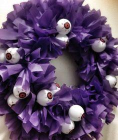 Halloween eyeball wreath tutorial using a plastic tablecloth!  Such an easy diy craft for Halloween.