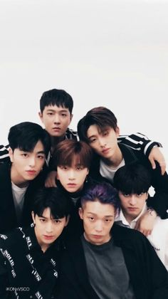 XD it looks like they're gravitating to Jinhwan. Chanwoo Ikon, Kim Hanbin, Yg Entertainment, K Pop, Yg Groups, Bobby, Ikon Member, Winner Ikon, Warner Music