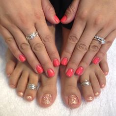 Glitter pedicure with cute toe rings! Love the Neon on the nails too! Glitter Pedicure, Gel Pedicure, Mani Pedi, Manicure, Pedicures, Love Nails, How To Do Nails, Pretty Nails, Diy Nail Designs