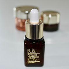 Isacosmetics: Estée Lauder Advanced Night Repair Estee Lauder Produkte, Perfume Bottles, Lipstick, Night, Blog, Beauty, Lipsticks, Beauty Illustration