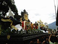 Guate360.com | Fotos de La Antigua Guatemala - SANTO ENTIERRO EN LA CALLE DE LOS PASOS