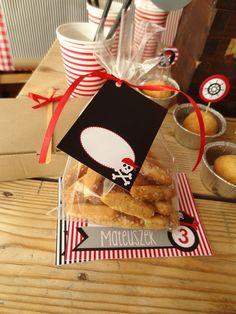 Ozdoby do torebek z prezentami dla gości.