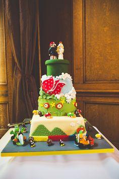 geek/gamer wedding super mario wedding cake