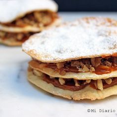 Junk Food - Recipe of Chilean pastry of dulce de leche and walnuts from Curico, a delicious treat typical from Chile, celebrating the day of the Chilean cuisine. Starter Dishes, Coconut Flan, Potato Chips, Tray Bakes, Junk Food, Cooking Time, New Recipes, Food Print, Yummy Treats