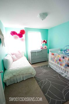 Love the twin bed made a day bed. Still really want one in my nursery