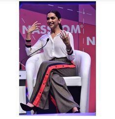Deepika at World Congress on Information Technology 2018 (WCIT) at Hyderabad International Convention Centre. She talked about 'Mental Well Being: Time to Wake Up'. She is speaking as Social Influencer at NASSCOM event.