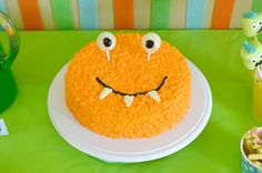 Fun tutorial on this monster cake, and ideas for the perfect monster party! Free printable invitations and food labels!