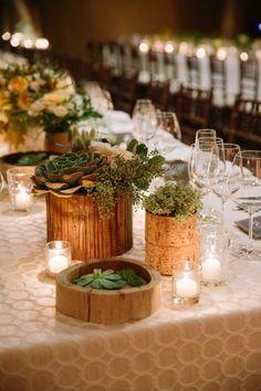 Modern Fall Wedding with a Candlelit Dinner - Hochzeit Fall Wedding Table Decor, Rustic Fall Decor, Wedding Table Centerpieces, Centerpiece Ideas, Wedding Tables, Wedding Reception, Centerpiece Flowers, Wedding Parties, Reception Table