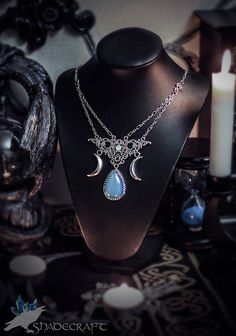 Triple Moon Necklace https://www.etsy.com/shop/shadecraft