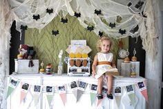 Plan a frighteningly fantastic Halloween party in 10 oh-so-easy steps. Let the countdown begin!
