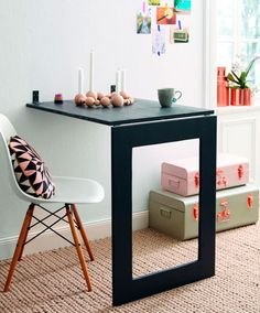 Mesa abatible de pared con espejo