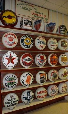 RARE Original Gas Globes Old Gas Pumps, Vintage Gas Pumps, Cool Garages, Custom Garages, Full Service Gas Station, Chevron Gas, Harley Davidson, Pompe A Essence, Old Gas Stations