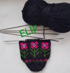#selamunaleykum #iyiakşamlar #patikmodelleri #patik #bohça #beşşiş #beğeni #elişi #elemeği #örgü #elemeğigöznuru #handmade #knitting #hobi… Knitted Hats, Knitting Patterns, Winter Hats, Crochet, Handmade, Instagram, Tricot, Flip Flops, Tejidos