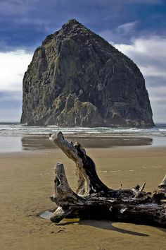 Haystack Rock, Oregon coast -- DSC2908    		The landmark rock that has help put Cannon Beach on Oregon's northern  coast on the map.   It is in Oregon's northern most coastal county  along coast route U.S. Highway 101.