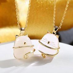 Colgantes con diseño de gato Plata 925 - Disponible en varios colores. Tamaño del colgante 1.5 * 1.8 cm. Es uno de los regalos para los amantes de los gatos que más suelen gustar.