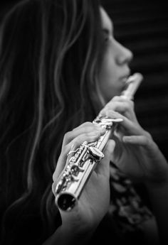 Senior with flute passion: photography senior picture ideas flüt, keman, fo Band Senior Pictures, Senior Picture Props, Photography Senior Pictures, Senior Pictures Sports, Senior Pictures Boys, Senior Girls, Senior Portraits, Musician Photography, Passion Photography