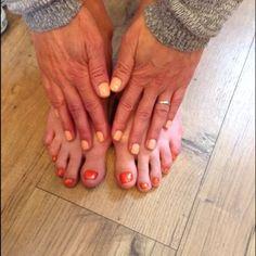 salmon run shellac on hands, zoya rocha on toes with glitter overlay