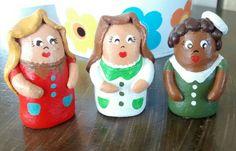 Bonecas em ceramica.