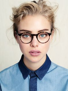 Lunettes de vue. Inspiration for Model Under Cover. http://www.carinaaxelsson.com #modelundercover