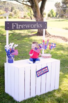 A portable stand for photoshoots, it can be a lemonade stand, fireworks stand, candy stand...sky's the limit!