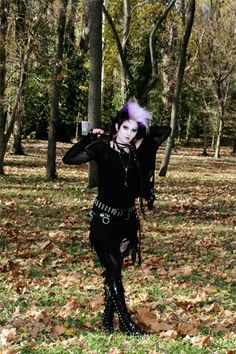 Trad Goth Fashion : Photo Deathrock Fashion, Punk Fashion, Fashion Photo, Goth Look, Gothic Outfits, Goth Girls, Emo, Grunge, How To Wear