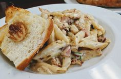 [I Ate] Chicken bacon mushroom pasta with Garlic Toast #recipes #food #cooking #delicious #foodie #foodrecipes #cook #recipe #health