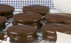 Se preferir, você pode substituir o chocolate por doce de leite ou outro recheio de sua preferência