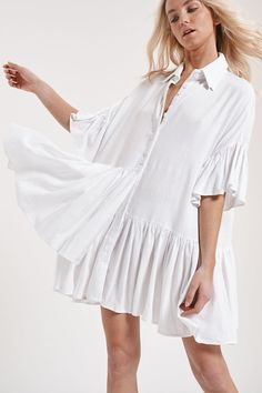 This Bohemian white mini button up shirt dress is the perfect BoHo festival for summer. Love this white mini shirt dress boho. Bohemian Style Clothing, Boho Style, Boho Fashion, Fashion Dresses, White Boho Dress, Chic Fashionista, Mini Skirt Dress, White Mini Skirts, Boho Chic