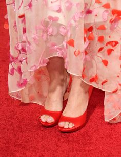 Drew Barrymore wore flirty red and pink right down to her toes.