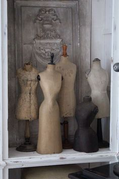 Collection of vintage dress forms. Vintage Mannequin, Dress Form Mannequin, Mannequin Art, Old Dresses, Vintage Dresses, Vintage Outfits, Vintage Friends, Photo Deco, Vintage Love