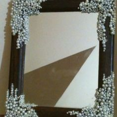 pretty :) DIY mirror with pearl beads- it reminds me of the little mermaid :)