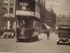 Bradshawgate, Bolton 1936 // Tram H to Doffcocker is just passing Yates Wine Lodge