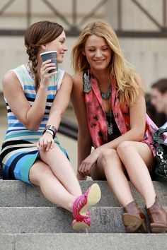 Blair and Serena have the best #backtoschool style! #Humbercollege #style #gossipgirl