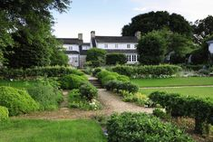 Take a look inside the private estate and see some of the items up for bid at Sotheby& three separate auctions of the Mellon collection Bunny Mellon, Farm Gardens, Outdoor Gardens, Garden Paths, Garden Landscaping, Garden And Gun Magazine, Little White House, House Viewing, Virginia Homes
