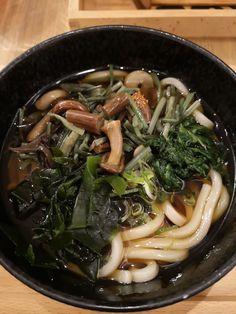 fantastische Udon Suppe bei Mari's MetchaMatcha gegessen. Mehr dazu auf meinem Blog Sushi, Ramen, Japanese, Ethnic Recipes, Blog, Food, Japanese Food, Food Food, Japanese Language