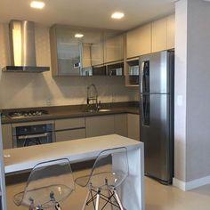 """65 curtidas, 7 comentários - Ape 91A  73m2 (@meuape91a) no Instagram: """"E essa cozinha do @apartamento1903 Estou simplesmente apaixonada #inspiração #cozinhaplanejada…"""""""