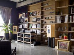 Лофт от Hao Design для супружеской пары и трех котов…