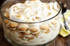 Old Fashioned Banana Pudding - Southern Bite bread cake healthy muffins pudding recipes chocolat plantain recette recette Banana Pudding From Scratch, Old Fashioned Banana Pudding, No Bake Banana Pudding, Southern Banana Pudding, Homemade Banana Pudding, Bannana Pudding, Potato Pudding, Pudding Pies, Easy Pudding Recipes