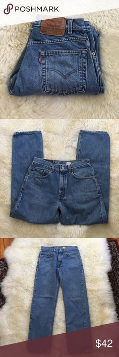 Vintage Levi's 505 Jean 31x32 meas. 30x28.5 in. Vintage pair of 505 straight leg Jean in a nice blue wash. No holes or tears with just a little bit of wear around the leg holes. 505s have a slimmer fit than 501s and a zipper fly. Tag size is 31x32 but measures 30x28.5 in. Rise is 11.25 in. Please feel free to ask any questions. 👉🏻no trades or modeling. Price is firm unless bundling. Levi's Jeans Boyfriend