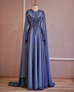 No photo description. Beautiful Dress Designs, Most Beautiful Dresses, Elegant Dresses, Vintage Dresses, Casual Dresses, Fashion Dresses, Evening Dresses, Prom Dresses, Wedding Dresses