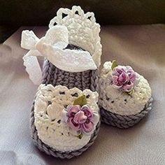 Crochet Baby Booties Latest & Beautiful Crochet Sandals For Kids 2015 Beau Crochet, Love Crochet, Crochet For Kids, Beautiful Crochet, Knit Crochet, Crochet Baby Sandals, Crochet Boots, Crochet Baby Clothes, Crochet Crafts