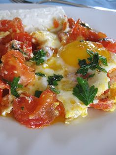 Greek Breakfast: Eggs with Tomatoes- Kali Orexi