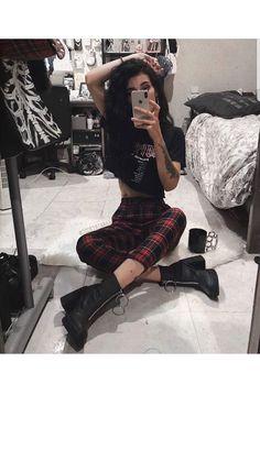 Suivez ALTGirl Alternative Style Grunge Style Gothic Style Grunge Girl Grunge O . Suivez ALTGirl Alternative Style Grunge Style Gothic Style Grunge Girl Grunge O … # Hipster Outfits, Style Outfits, Tumblr Outfits, Gothic Outfits, Edgy Outfits, Mode Outfits, Fashion Outfits, Goth Girl Outfits, Fashion Clothes