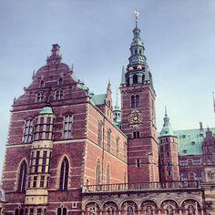 egecilek #hillerød #denmark #frederiksborg #slot #castle #colours #architecture