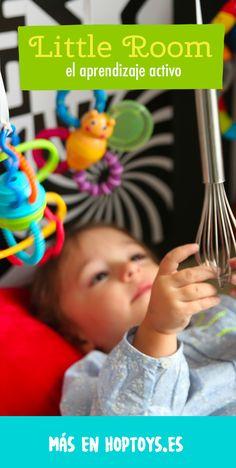 ¿Conoces Lilli Nielsen? Profesora en Dinamarca especializada en la atención temprana de los niños con discapacidad múltiple o con déficit visual, ha creado la « Little Room ». Una bonita cabaña multi sensorial con juegos y juguetes que aportan múltiples estímulos. Esta ayuda sensorial permite al niño aprender el desarrollo de sus habilidades ofreciéndole ocasiones para adquirir una integración perceptiva., relación espacial y la noción del objeto a través la auto actividad. Learning Activities, Multiple Disabilities, Kids Learning, Educational Toys, Visual Impairment, Sensory Play, World Discovery, Early Childhood, Learning